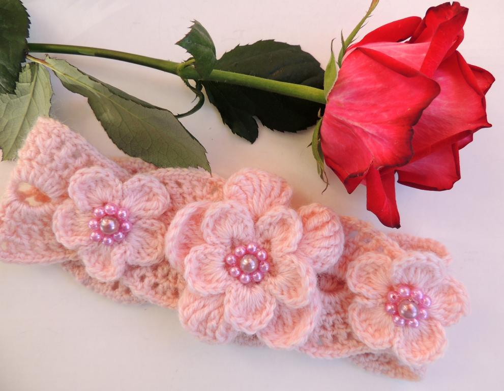Вязание крючком цветов для повязок 156
